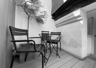 Château – Luxueux studio meublé avec terrasse – 150.000 €