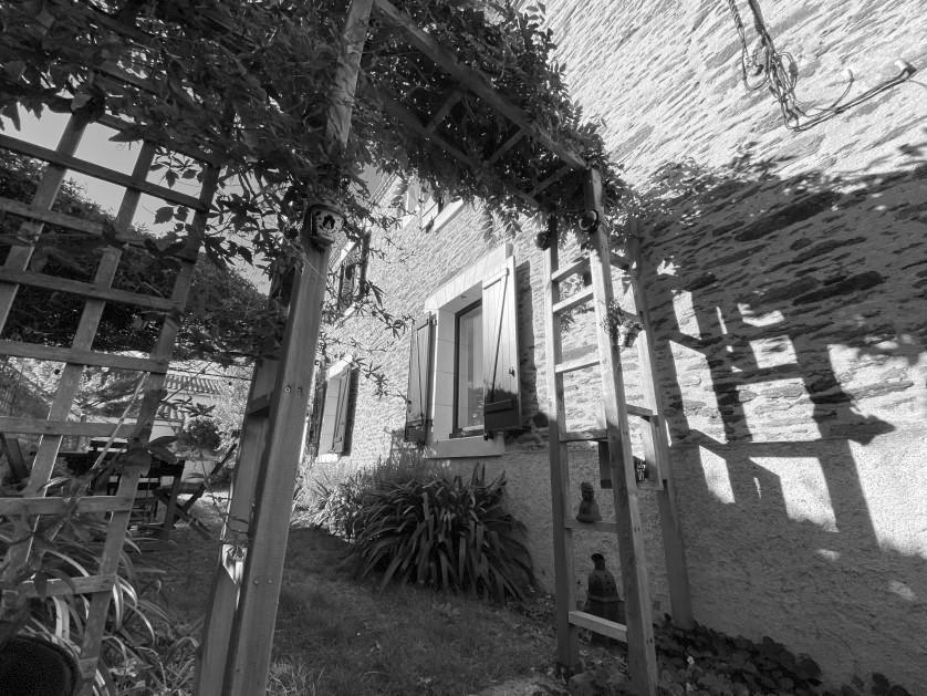 Rezé – Charmante maison de 6 pièces avec jardin de ville – 499.200 € fai