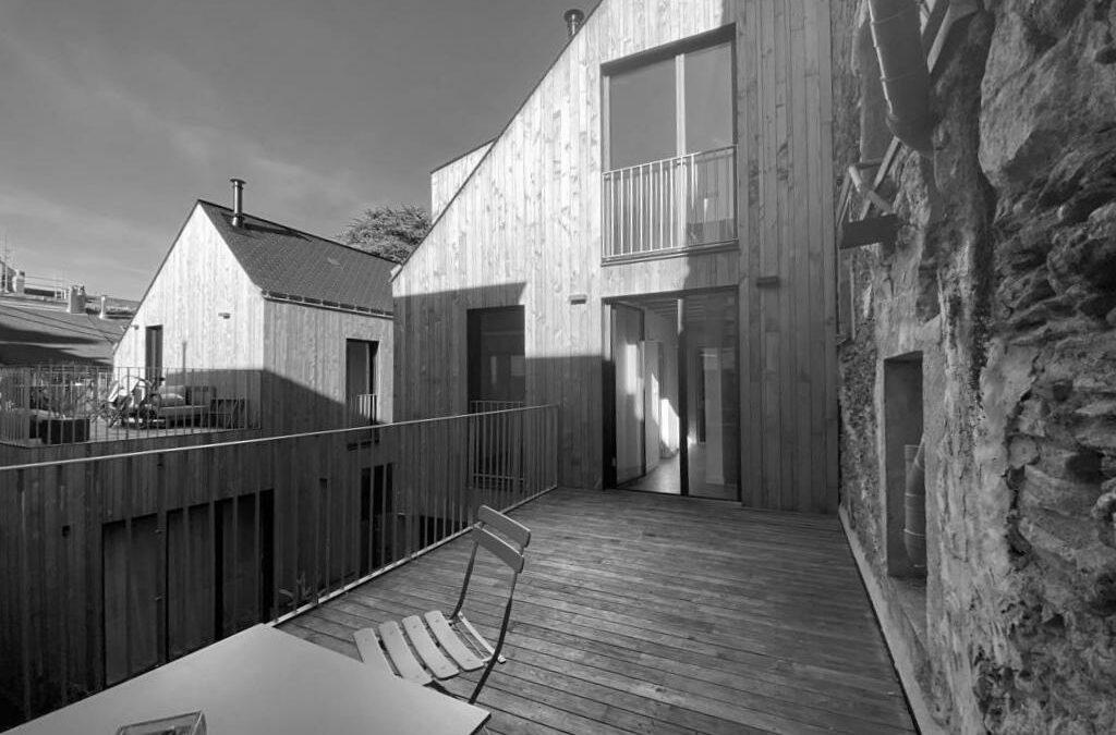 Cathédrale – Maison d'architecte en bois avec terrasse de 15 m² – 630.000 € fai